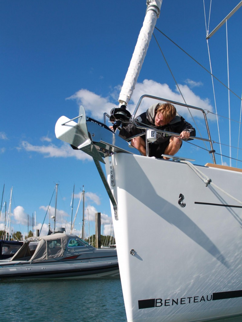 Yacht Rigging Check - Bow - Advanced Rigging & Hydraulics
